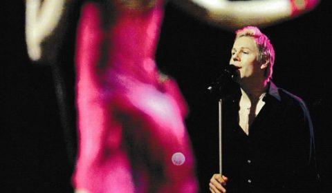 Martin körar till Lena Philipsson i Melodifestivalen -04