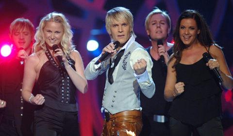 Melodifestivalen Magnus Bäcklund + kören -06
